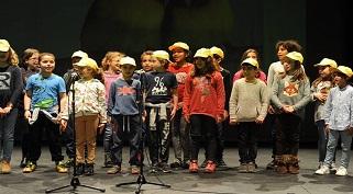 A Turma do 3.º B da Escola Amarela participou na Gala da Poesia