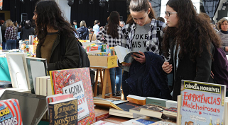 Feira do Livro já abriu no Centro Cultural Mercado de Sant`Ana