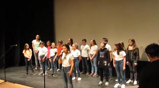 Participação de alunos do 2º ciclo da Escola José Saraiva na Gala da Poesia