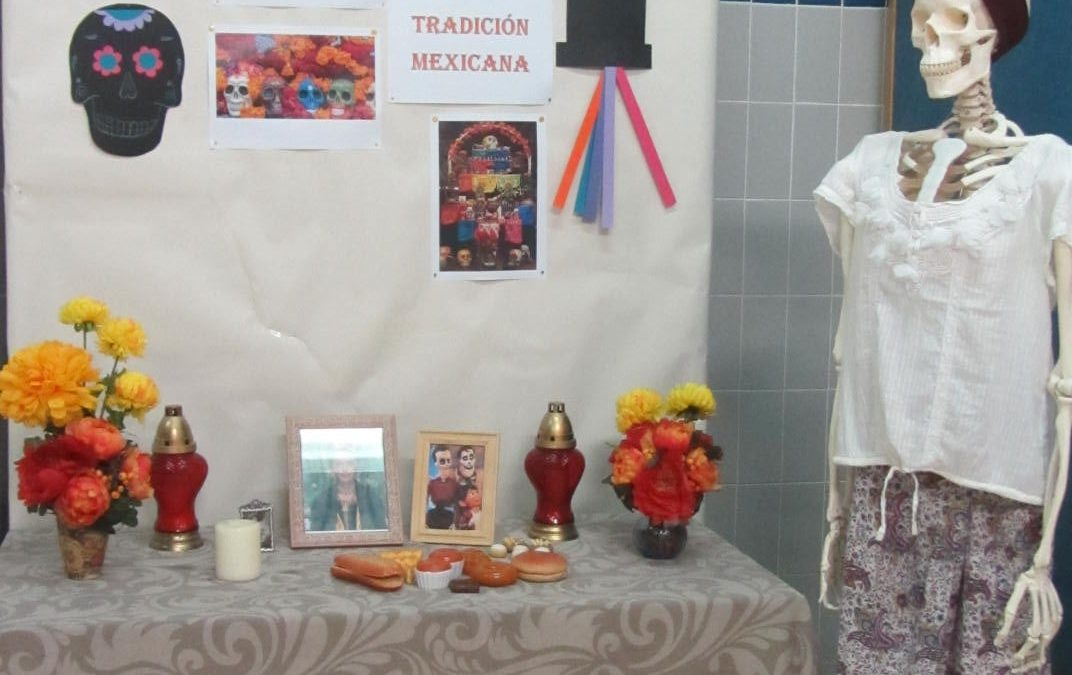 El Día de los muertos na BE José Saraiva