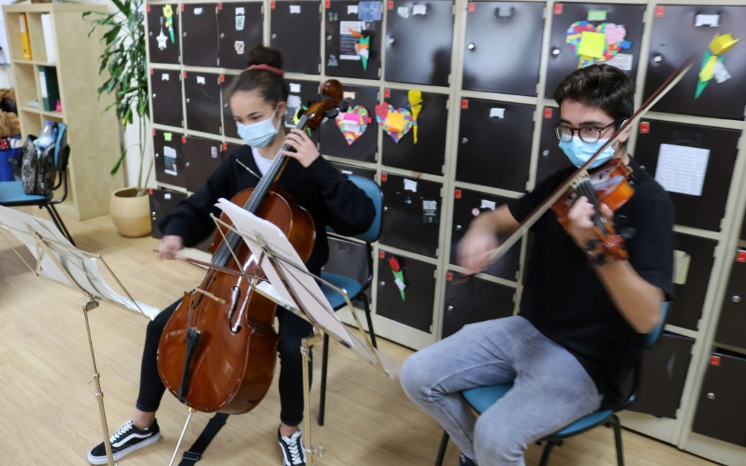 "Projeto Cultural de Escola ""Partilh'Arte"" no Agrupamento Dr. Correia Mateus"