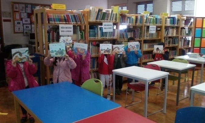 Visita dos alunos do 1.º ano à Biblioteca Escolar